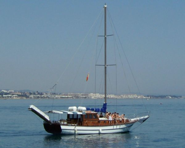 Fiesta en Barco Marbella